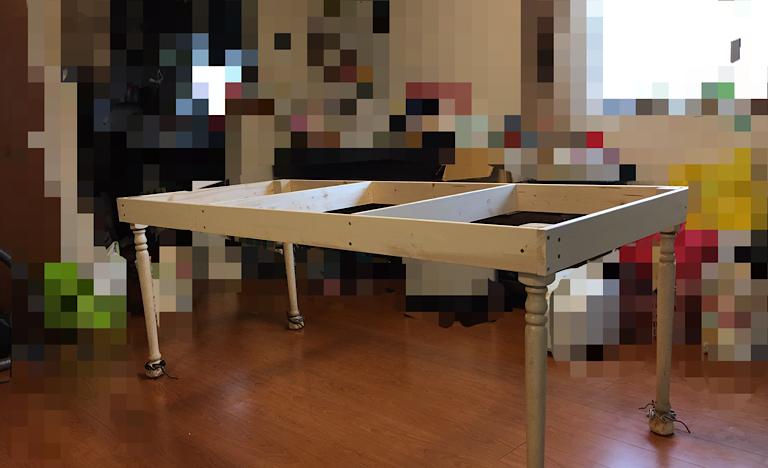 リメイクしたテーブルの枠組み